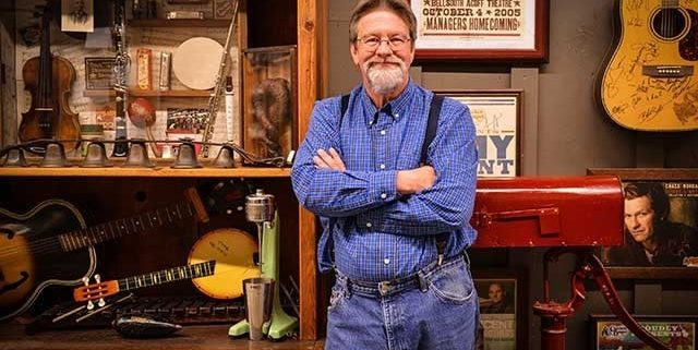 Larry Singleton, Director of the Cracker Barrel Décor Warehouse