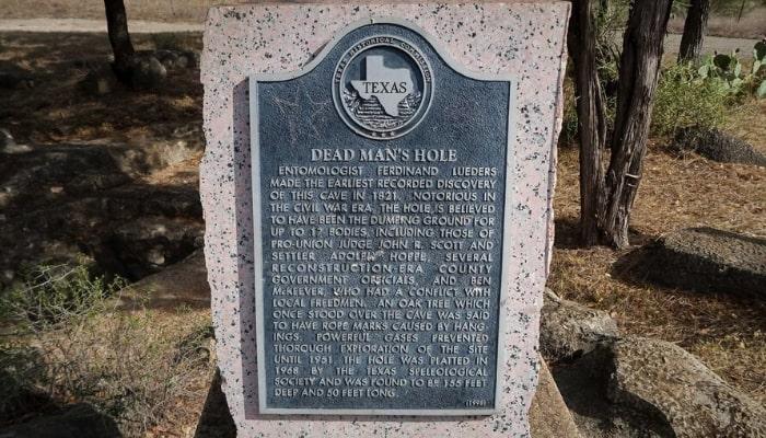 Dead Man's Hole, Texas